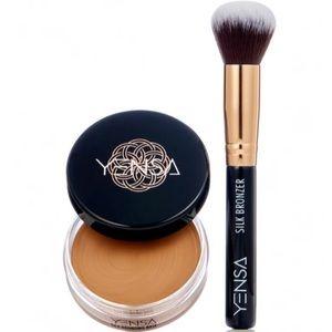 Yensa Silk Bronzer and Brush Set!